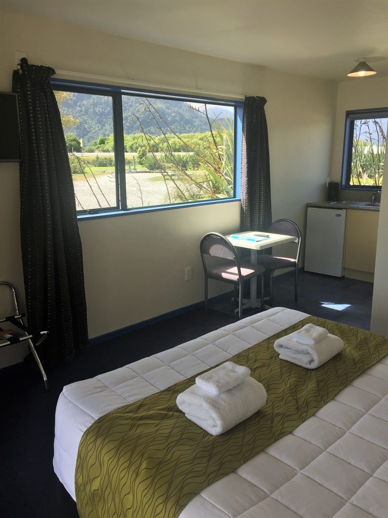 Haast River Motels & Holiday Ground second floor Queen Ensuite