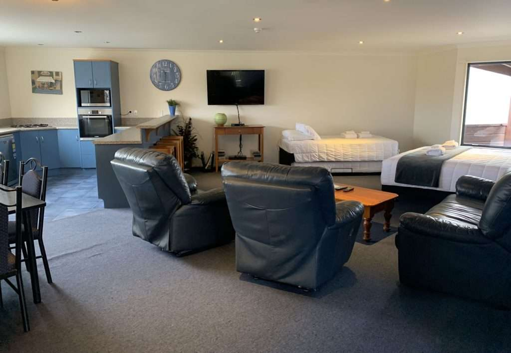 Haast River Motels & Holiday Park apartment interior